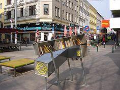 wien bücherschrank Street View, Austria