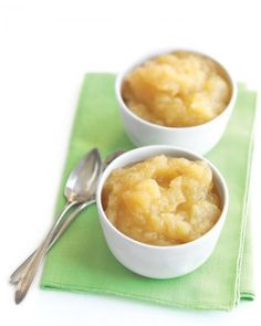 You need more than apples when making homemade applesauce. #recipe