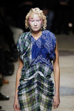 Comme des Garçons at Paris Fashion Week Spring 2006