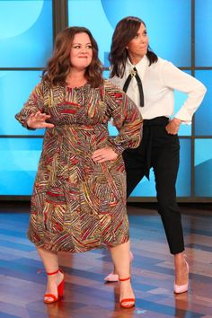 Kristen Wiig ✾ and Melissa McCarthy ✾ Show Off Their Close Friendship by Bumping and Grinding Curvy Outfits, Casual Fall Outfits, Plus Size Outfits, Curvy Fashion, Plus Size Fashion, Girl Fashion, Moda Xl, Plus Zise, Full Figure Fashion
