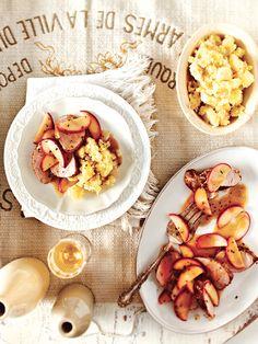 Roast pork with brandied apples and horseradish smashed potatoes Smashed Potatoes Recipe, Fluffy Mashed Potatoes, Mashed Potato Recipes, Potato Dishes, Smash Potatoes, Pork Tenderloin Recipes, Pork Roast, Pork Loin, Chatelaine Recipes