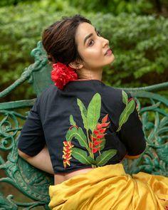 Blouse Back Neck Designs, Fancy Blouse Designs, Bridal Blouse Designs, Pattu Saree Blouse Designs, Kurta Designs, Sleeves Designs For Dresses, Simple Sarees, Designer Blouse Patterns, Beautiful Blouses