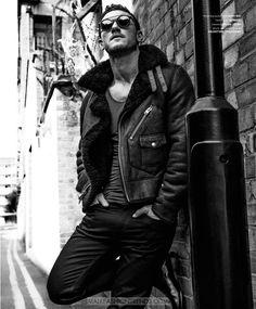 Luke Evans por Zeb Daemen para Essential Homme