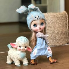 Image may contain: 1 person Anime Dolls, Blythe Dolls, Pretty Dolls, Beautiful Dolls, Kawaii Doll, Child Doll, Collector Dolls, Custom Dolls, Ball Jointed Dolls