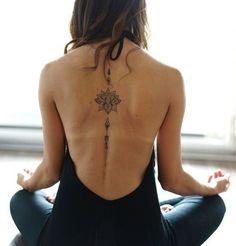 Tatuajes de flor de loto que te traerán abundancia