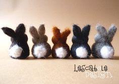 Da kann Ostern kommen! Lustiger kleiner Hase aus edler Schafwolle. Die Häschen werden trocken gefilzt und bleiben so schön weich und knuffig. Das A...