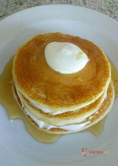 Jemné nadýchané lívance recept   Vaření.cz Pancakes, Breakfast, Morning Coffee, Pancake, Crepes