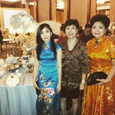 Instagram media by mandarinpeony - Lovely Miss Agustine in our limited edition long #cheongsam AZURE PEONY.  #mandarinpeony #qipao #chinesedress #timelessbeauty #eveningdress #wedding #event #jakarta #classic #embroidery #partydress