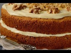Probably the best carrot cake recipe. I also looove not worrying about icing around the whole cake. Sugar Free Carrot Cake, Best Carrot Cake, Dinner Recipes For Kids, Great Recipes, Favorite Recipes, Baking Recipes, Cake Recipes, Dessert Recipes, Party Recipes