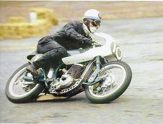 Racing Motorcycles, Dirtbikes, Old School, Biker, Vehicles, Atv, Dirt Biking, Cars, Dirt Motorcycles