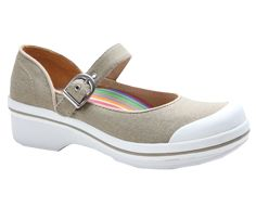Sand & White Valerie Mary Jane - Women by Dansko Moda Sneakers, Sneakers Mode, Sneakers Fashion, Kitchen Shoes, Chef Shoes, Shoe Boots, Shoe Bag, Pretty Shoes, Mary Janes