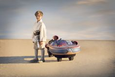 Luke Skywalker's Landspeeder by Radio Flyer is modeled after the sand-pocked and sun-faded X-34 craft from Star Wars: A New HopeTM. With seats for 2 riders, an interactive dashboard with lights and real movie sounds, and a 5 mph driving speed, this speeder provides a truly galactic driving experience.