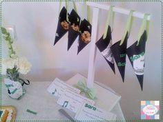 Kit festa | Aniversário Sara | Tema - música   Pormenor - Cones pipocas   +INFO: mimeoseubebe@gmail.com ou mensagem privada   #mimeoseubebe #mime #festadeaniversário #kitfesta #temamusica