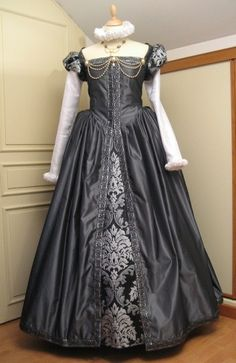 nice cut and example of puff sleeves matching forepart of shirt but egads that floating ruff. Costume Renaissance, Renaissance Mode, Renaissance Fashion, Renaissance Clothing, Historical Clothing, Elizabethan Dress, Elizabethan Fashion, Tudor Fashion, Vintage Outfits