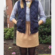 "J.Crew Skirt with Pockets! J.Crew (Tan/Acorn) Skirt. Wool/poly/viscose with a hint of stretch.  Has pockets! Sits at waist. 17 1/2"" long. Elastic waistband. Lined. J. Crew Skirts"