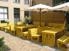 Furniture made from crates and pallets for Brasserie Zomers in Groningen Outdoor Restaurant Patio, Outdoor Cafe, Outdoor Dining, Outdoor Decor, Cafe Furniture, Pallet Furniture, Furniture Making, Outdoor Furniture Sets, Table Palette
