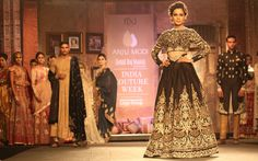 Veteran designer Anju Modi showcased her desiner wear, Manikarnika, which was inspired by the architecture and paintings of the Ajanta-Ellora Caves. http://fashiontrendsandtipsblog.wordpress.com/2014/07/24/india-couture-week-2014/