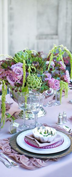 ✿ Rhapsody flowers ✿ beautiful table and arrangement Floral Centerpieces, Wedding Centerpieces, Wedding Table, Floral Arrangements, Greenery Centerpiece, Centrepieces, Flower Arrangement, Deco Floral, Motif Floral