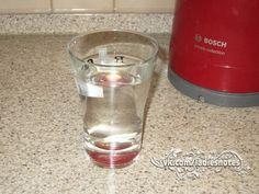 Польза от утреннего стакана горячей воды Польза от утреннего стакана горячей воды   Стакан чистой, теплой воды с утра, подготавливает наш желудочно-кишечный тракт к работе. Ночью на стенках ЖКТ оседают отходы пищеварения, токсины и шлаки. Горячая вода помогает нашему организму очиститься от всего лишнего. К тому же, с утра это усиливает слабительный эффект, что способствует естественному очищению.  Еще одной основной функцией воды является ускорение обменных процессов. Она способствует…