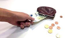 Asiantuntijat: Hallituksen vaivihkaa valmistelema asetus vie rahaa köyhiltä ja sairailta -Yle