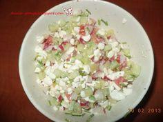 Przepis: Kolorowa sałatka z serkiem wiejskim
