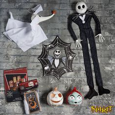 Shop Spirit for a wide selection of Nightmare Before Christmas Decorations at unbeatable prices! You'll love having Jack and Sally decorate your home when shop Home Decor at Spirit Halloween! **SHOP NOW & SAVE** Halloween Look, Halloween Cosplay, Halloween 2020, Spirit Halloween, Halloween Makeup, Halloween Crafts, Halloween Decorations, Halloween Scene, Halloween Ideas