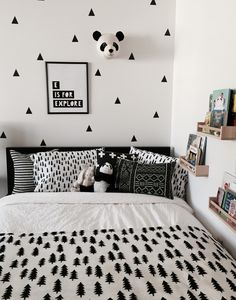 Simple Bedroom ideas for exciting decorating, suggestion 5122423685 Beautiful Bedroom Designs, Girl Bedroom Designs, Girls Bedroom, Home Decor Bedroom, Bedroom Ideas, Dream Rooms, Girl Room, Room Interior, Room Inspiration