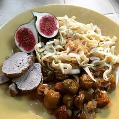Dans la série des plats sucrés-salés, en cette période de l'année, difficile d'échapper au filet mignon de porc aux mirabelles #cuisine #recette