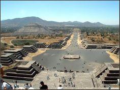 TEOTIHUACÁN El Lugar de los Dioses The Place of the Gods El Mirador Impaciente: Mesoamérica: territorios y rasgos culturales comunes
