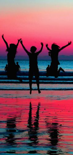 Happy jump at Kuta Beach in Bali, Indonesia • photo: Kenny Teo (zoompict) on Flickr