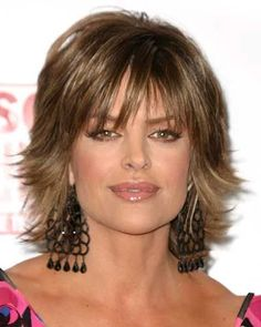 Lisa Rinna Hairstyles See how to style Lisa Rinna's short layered shag hairstyle and pictures of the various ways Lisa styles this look with highlights Bangs With Medium Hair, Short Hair With Layers, Medium Hair Cuts, Short Hair Cuts, Medium Hair Styles, Curly Hair Styles, Medium Shag Hairstyles, Short Shaggy Haircuts, Shaggy Short Hair