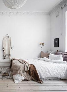 Stilvolle Schlafzimmerecke   über Coco Lapine Design Blog #design #lapine  #schlafzimmerecke #stilvolle