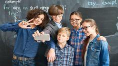 9 Ways Classroom Photos Create Student Connection