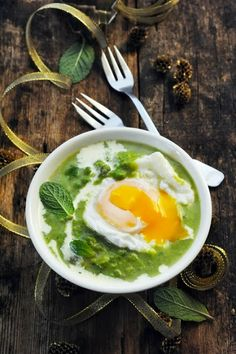 pea soup with mint and soft-boiled egg