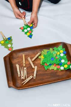 Simple Christmas themed counting activity for kids from And Next Comes L Math Activities For Toddlers, Counting Activities, Toddler Preschool, Preschool Ideas, Christmas Math, Simple Christmas, Winter Christmas, Christmas Themes, Pre Kindergarten