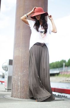 Grey Maxi pleated skirt with casual graphic tee and  accesories, hat