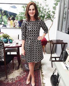"""""""Yesterday's outfit ✨ última de ontem com o vestido lindo da FIT que usei para o almoço de pré-lançamento do #livroddb! Obrigada pela parceria nesse dia…"""""""