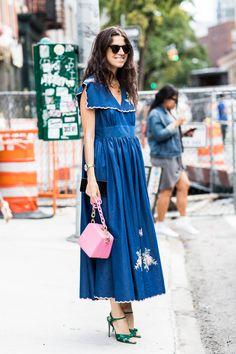 Vogue paris NYFW 2017 - Vestido jeans bordado