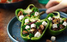 Roasted bell peppers with mushrooms, broccoli & apetina Easy Salad Recipes, Wrap Recipes, Healthy Recipes, Quick Meals, No Cook Meals, Ratatouille, Chorizo And Eggs, Cheese Dishes, Stuffed Mushrooms