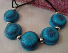 Collar de arcilla polimérica Turquesa-Azul Marino