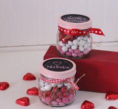 I Dig Pinterest: Valentine's Idea Week--Day 2--Layered Candy Mason Jars