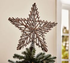 The Organized Dream: Pottery Barn Inspired Twig Star Tree Topper Diy Christmas Star, Diy Tree Topper, Christmas Tree Star Topper, Star Tree Topper, Christmas Holidays, Christmas Ornaments, Rustic Tree Topper, Rustic Christmas Crafts, Pottery Barn Christmas