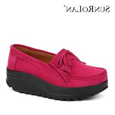 29.83$  Buy now - https://alitems.com/g/1e8d114494b01f4c715516525dc3e8/?i=5&ulp=https%3A%2F%2Fwww.aliexpress.com%2Fitem%2F2016-New-Spring-Autumn-Women-Flat-Platform-Loafers-100-Genuine-Leather-Shoes-Slip-On-Tassel-Women%2F32702679778.html - SUNROLAN Spring Women Flat Platform Shoes Fashion Bow Suede Driving Moccasins Slip On Tassel Loafers Women Shape Up Shoes NE830 29.83$