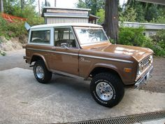 Might have been my favorite!  1972 FORD BRONCO
