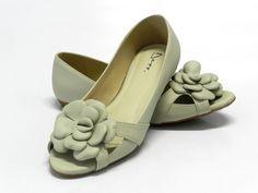 Sapatilha Peep Toe Feminino com Flor Gelo Fosco - Ref 6053003