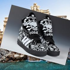 buy popular ec82a 57364 Adidas Originals Luminous Skull Unisex Scarpa Nero HOT SALE! HOT PRICE!