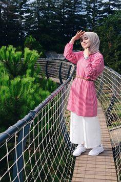 Modest Fashion Hijab, Modern Hijab Fashion, Casual Hijab Outfit, Muslim Fashion, Fashion Outfits, Dress Fashion, Stylish Dresses For Girls, Stylish Dress Designs, Modest Dresses