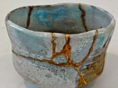 Kintsugi / Kintsukuroi, traditional wabi-sabi Japanese ceramic art repair using gold and lacquer as an alternative to masking broken ceramic and pottery Ceramic Bowls, Ceramic Pottery, Pottery Art, Ceramic Art, Slab Pottery, Pottery Studio, Kintsugi, Japanese Ceramics, Japanese Pottery