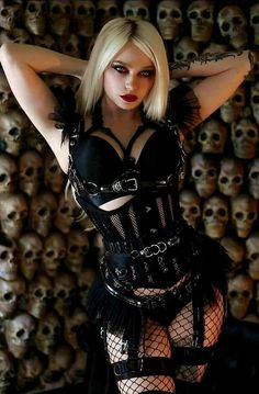 Gothic Girls, Hot Goth Girls, Goth Beauty, Dark Beauty, Gothic Outfits, Sexy Outfits, Chica Dark, Cute Goth, Chica Fantasy