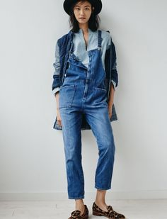 Madewell Dungaree Overalls worn with The Denim Quilted Jacket, Denim Popover Shirt, Orson Loafer + Madewell & Biltmore® Felt Fedora